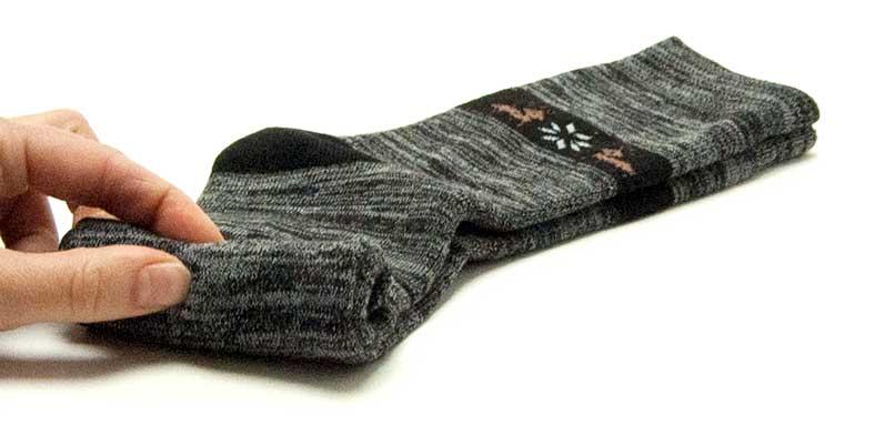 Enrollar calcetines con compresión paso 2