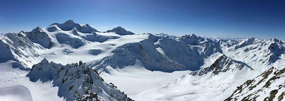 calcetines para esquiar en la montaña